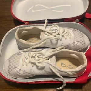 Nfinity cheer shoes size 7